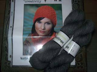 Kollage Hat and cowl Set
