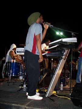 Reggae_pary_singer2