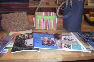 Purses_and_books